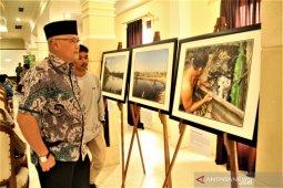 Suasana Kampung Teluk Semanting Dalam Pameran Foto