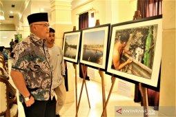 Kondisi Kampung Teluk Semanting digambarkan melalui pameran foto