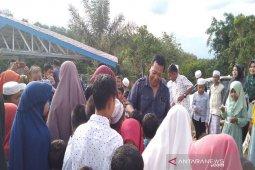 Ratusan anak yatim Puncak Sorik Marapi kunjungi Raja Batu