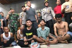 Tim gabungan gerebek sarang narkoba di Padangsidimpuan, tujuh tersangka ditangkap