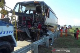 Bus Pariwisata angkut siswa SMK 1 Muhammadiyah kecelakaan di Tol Madiun-Ngawi, dua tewas