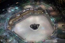 Pemerintah Arab Saudi hentikan shalat berjamaah di masjid akibat virus corona