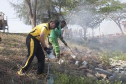 Antisipasi corona, Polres Lhokseumawe gotong royong tempat rawan penyakit