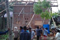 Sepuluh rumah di Lhokseumawe rusak diterjang angin puting beliung