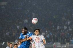 Update klasemen Liga 1: Persib nyaman di puncak, Bali United gulung Madura