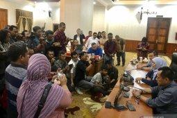 Gubernur Jatim meliburkan siswa SMA-SMK dua pekan