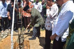 Peletakan batu pertama SMP Muhammadiyah Al Munawwaroh Nanga Taman