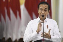 Jokowi: COVID-19 buat situasi ekonomi jadi tak biasa, kartu Pra Kerja harus diluncurkan pekan ini