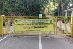 Two natural attraction in S Kalimantan temporarily closed