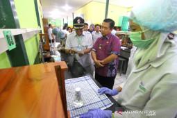 Wali Kota Banjarmasin Meninjau Pembuatan Produk Kesehatan