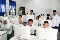2. 131 siswa MTs ikuti UAMBN-BK, 74 siswa tak hadir