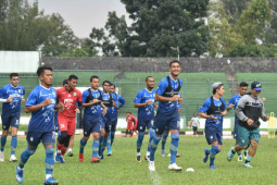 Pemain Persib tetap jalani sesi latihan di jeda kompetisi Liga 1