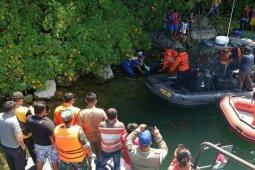 Mayat perempuan ditemukan mengambang di Danau Toba