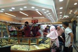 Melonjak drastis, harga emas hari ini Rp919.000 per gram