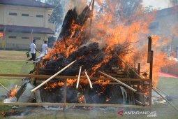 Polda Aceh musnahkan satu ton ganja dam puluhan kilogram sabu-sabu