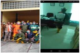 Pemko lakukan penyemprotan disinfektan di Balai Kota Tebing Tinggi