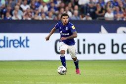 Bintang Schalke McKennie lega derby lembah Ruhr ditangguhkan ketimbang tanpa penonton