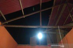 Puting beliung hantam dua rumah di Lhokseumawe