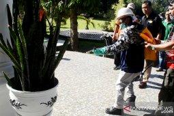 Pemkab Gorontalo semprotkan disinfektan ke fasilitas publik