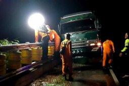 Kernet truk tewas tertimpa besi di Lintasan Seulawah