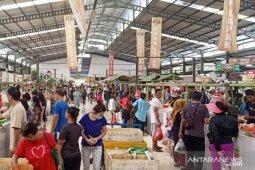 Pasar modern Sentul City terapkan transaksi online cegah corona