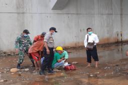 Bayi laki-laki ditemukan meninggal dunia di bawah jembatan