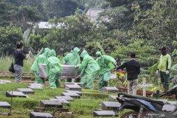 Jakarta mengkhawatirkan, Anies sebut 283 jenazah dimakamkan dengan protokol COVID-19