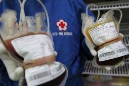 Pandemi COVID-19, 100 prajurit TNI di Bengkulu donor darah