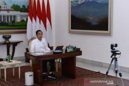 Presiden ingin semua anak di desa bisa belajar dengan penerangan baik