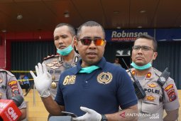 Ratusan polisi disiagakan untuk pengamanan rumah sakit rujukan COVID-19 di Medan