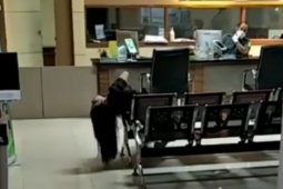 Klarifikasi video seorang perempuan kejang-kejang di ruang tunggu PN Jaktim