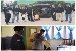 Relawan AMTT bantu Dinkes lakukan penyemprotan sekolah