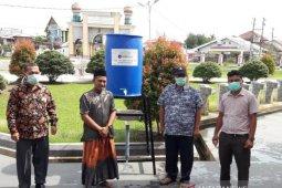 Ajak hidup sehat, UTU Meulaboh sebar alat pencuci tangan di Aceh Barat