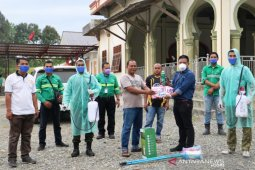 Mifa Bersaudara gandeng mahasiswa semprot disinfektan di masjid