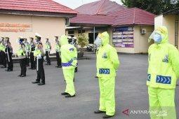 Polantas Tanah Laut dilengkapi APD melindungi wajah