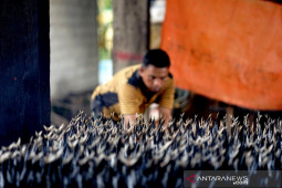 Penjualan ikan asap di Gorontalo menurun akibat pandemi COVID-19