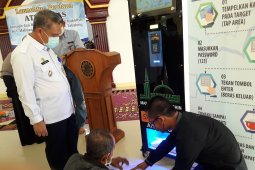 Takmir Masjid bantu kaum dhuafa lewat ATM beras