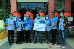 Bank Kalsel bantu tong air untuk kawasan publik