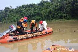 Tim BPBD Cianjur temukan jasad pria yang hilang terbawa arus