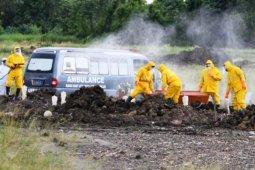 Sopir ambulans jenazah COVID-19 pun berjibaku mengatasi pandemi