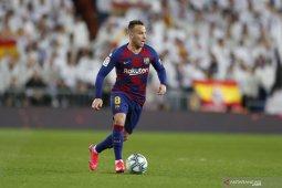 Dilirik Inter, Arthur tegaskan bertahan di Barcelona