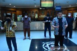 18 orang positif COVID-19 di Karawang sembuh