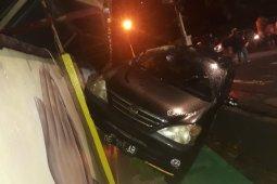Polresta Ambon cari oknum pengemudi tabrak tembok SD Negeri 2 Belakang Soya