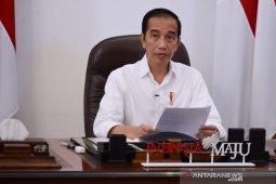 Jokowi dan Trump bahas kerja sama atasi kekurangan Alkes-APD