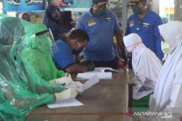 "113 santri Bali yang pulang dari Jawa jalani ""rapid test"" (video)"