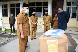 Pemkab Aceh Tengah terima bantuan baju hazmat dan face shield