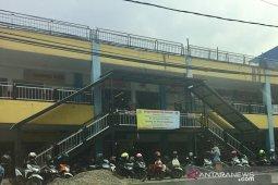 Pasar tradisional dan swalayan di Karawang akan dibatasi jam operasionalnya