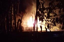 Gudang penampung minyak olahan terbakar di Aceh Timur