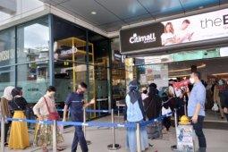 Jelang PSBB, warga Kota Sukabumi lakukan aksi borong kebutuhan pokok