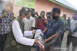 Bupati Gorontalo salurkan bantuan benih jagung untuk enam desa
